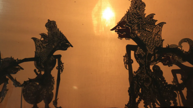 https://ecency.com/story/@riko/shadow-puppets-show-an-indonesian-tradition-that-has-been-recognized-by-unesco-fc9e0caebf2d5